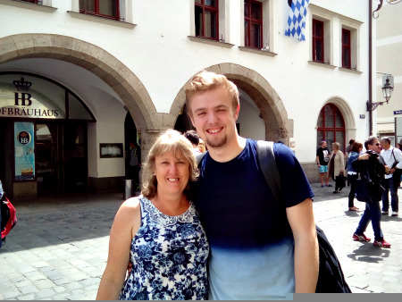 Jo and Ryan outside the world famous Hofbrauhaus