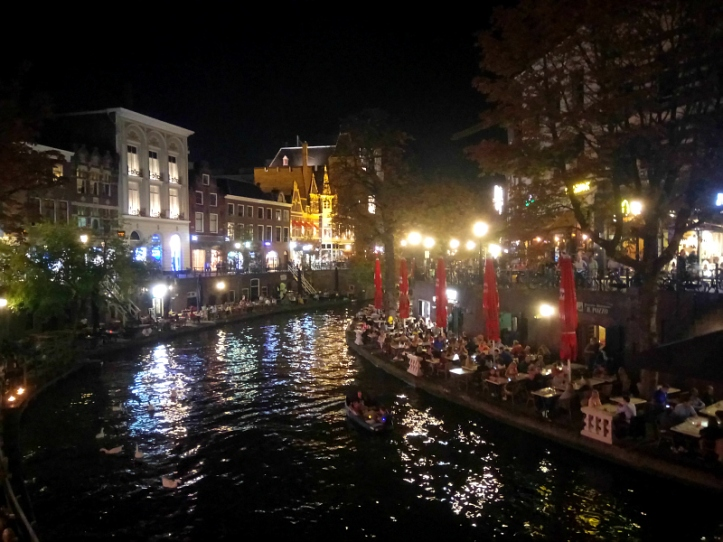 Utrecht Canal by night